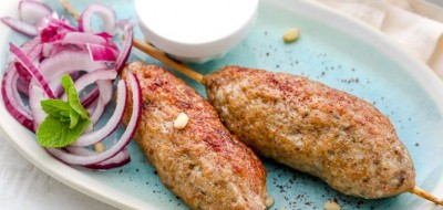 Люля-кебаб со сливовым соусом