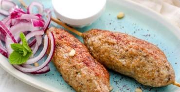 Lula-Kebab mit Pflaumensauce